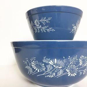 VTG Pyrex Blue Colonial Mist Mixing Bowl Set of 2